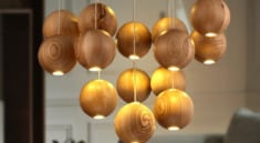 Ảnh 8: Đèn gỗ trang trí và sự tinh tế tuyệt đối.